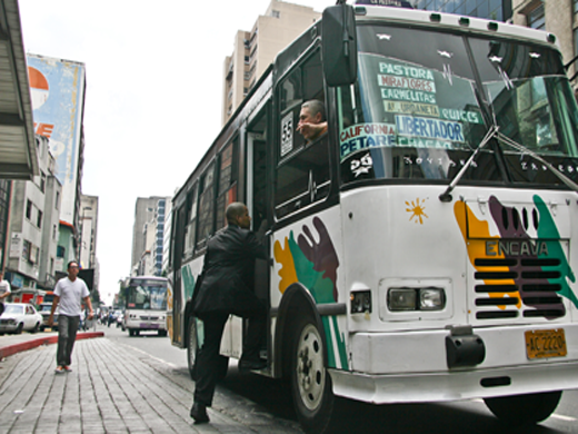 Transportistas rechazan aumento de gasolina