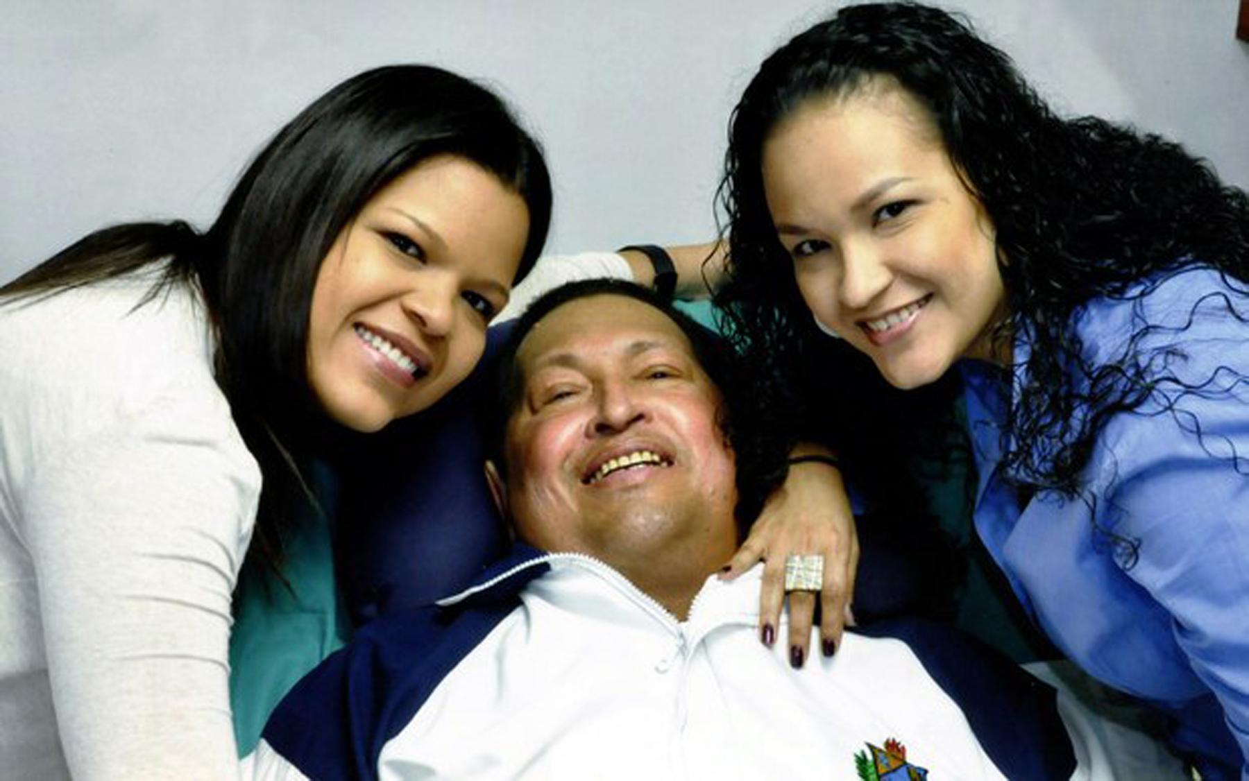 Hugo Chávez, cumplió hoy las primeras 24 horas de internamiento en