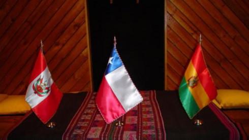 El presidente Evo Morales dijo ayer que en los próximos días una delegación boliviana presentará una demanda en la Corte Internacional de Justicia de La Haya