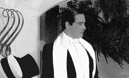 El primer montaje de esta pieza tuvo a Jean Carlos Simancas (Rafael Ignacio Briceño Simancas) en el papel de Gardel