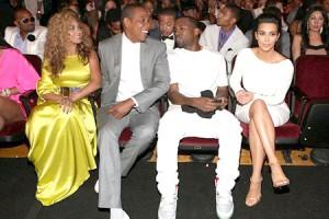 Kim Kardashian molesta con beyonce en los MTV
