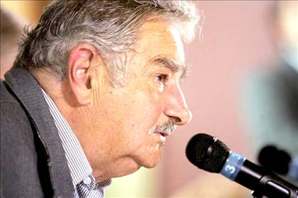 El presidente uruguayo, José Mujica, apuntó este martes contra las pasiones que se disparan en la actual campaña electoral en el país.